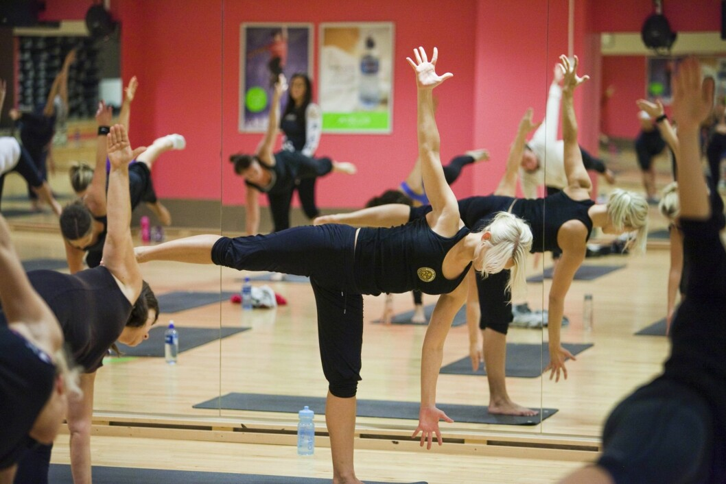 YOGA: Selv om styrketrening og kondisjonstrening er det mest effektive for å redusere effekten, skal du ikke undervurdere effekten av bevegelighetstrening som yoga og pilates.  Foto: Per Ervland