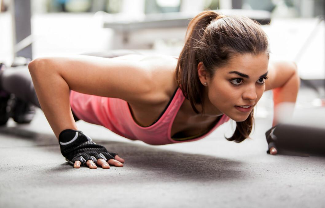 TREN STYRKE: En til to økter med styrketrening i uken kan redusere risikoen med type 2 diabetes med mellom 30-40 prosent. Kombinerer du treningen med kondisjon kan det redusere risikoen for opp mot 60 og 70 prosent. Foto: AntonioDiaz - Fotolia
