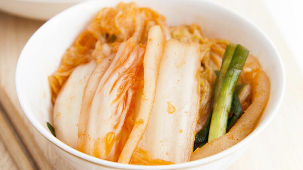 <strong>KIMCHI:</strong> Hørt om det før? Den koreanske retten er ikke bare fargerik og smakfull, men prosessen der ingrediensene fermenteres gjør den også svært så fordelaktig for helsen din.  Foto: elieli - Fotolia