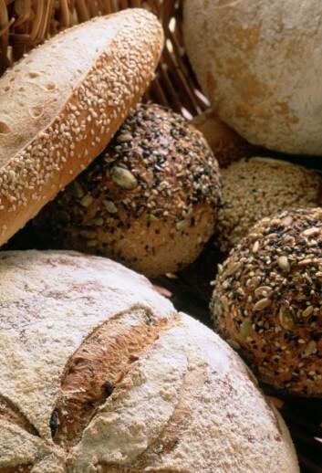 GROVT: Sørg for å velge brødvarer som virkelig er grove. Eller du kan prøve deg på Sundførs oppskrift på rundstykker.
