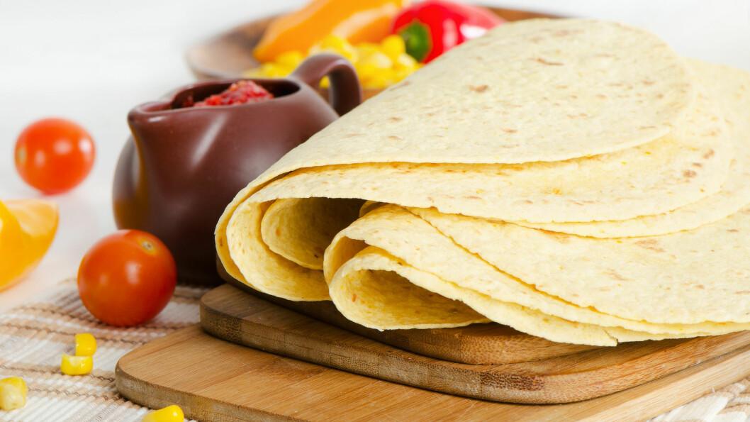 TACOLEFSER: Dersom du skal ha taco til middag kan det være lurt å velge grove fullkorns lefser fremfor de fine, da disse inneholder mer kostfiber som er bra for kroppen og holder deg mett lengre.  Foto: bit24 - Fotolia