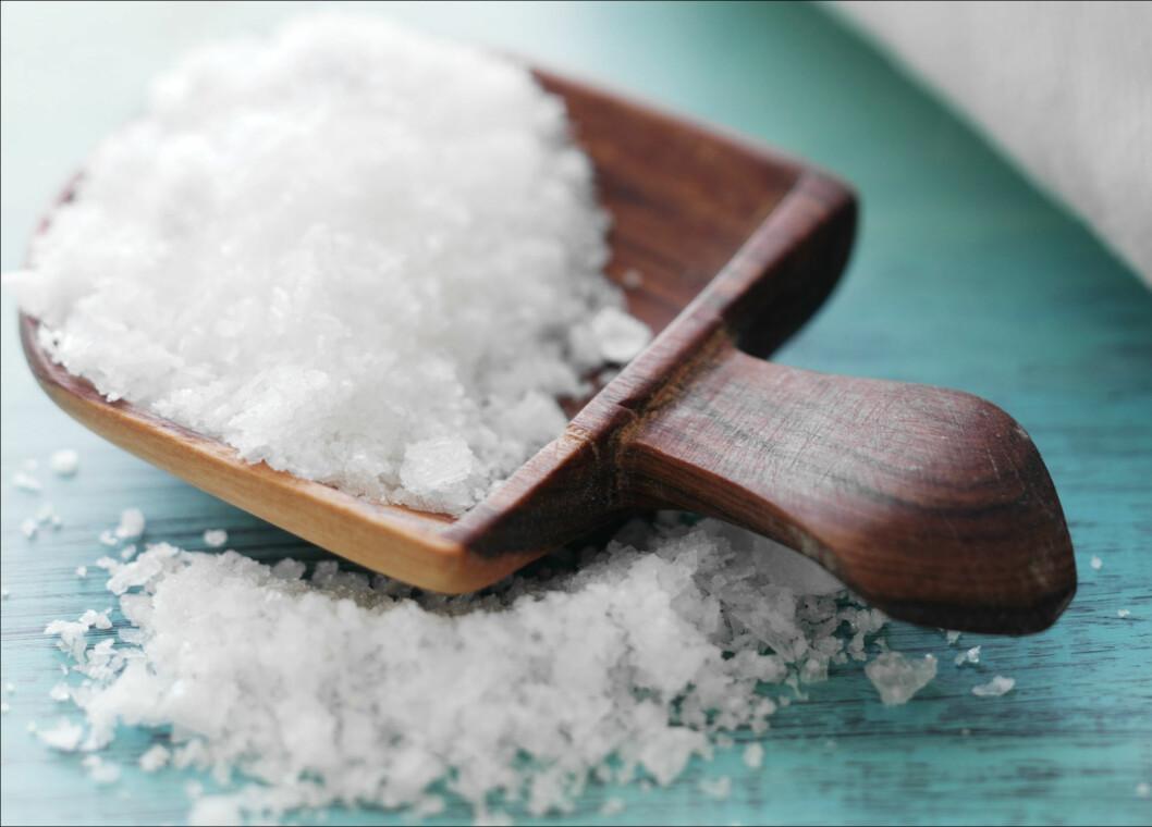 <strong>STORE MENGDER:</strong> Har du et kosthold der du får i deg mye salt, kan det ha en svært negativ effekt på helsa di. Vær bevisst på saltbruken, og ikke minst bør du huske på at soyasausen kan inneholde mye salt. Foto: Colourbox.com