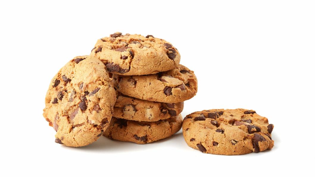 KALORIBOMBE: Spiser du mellom fire og seks store sjokoladekjeks kan dette kalorimessig tilsvare en hel middag.  Foto: Maris Kiselov - Fotolia