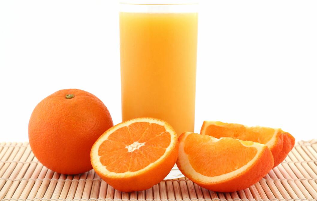 UNNGÅ TILSATT SUKKER: Til tross for at appelsinjuice inneholder C-vitaminer, kan sukkeret som er tilsatt svekke de hvite blodlegemene og gjøre at forkjølelsen sitter i lenger.  Foto: Thinkstock.com