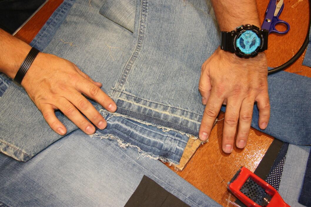 Når du har fjernet hele sømmen og bretter ned kanten, ser det sånn ut. Et tips er å stryke buksebent for at det ikke skal krølle seg opp. Foto: Stine Therese Strand