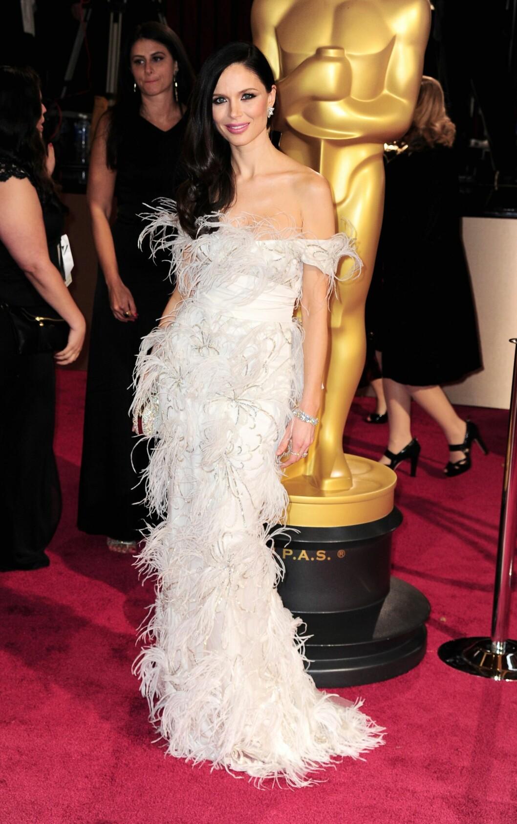 DØD FUGL?: KKs moteredaktør Silje Pedersen var ikke spesielt begeistret for designer Georgina Chapmans Oscar-kjole.  Foto: All Over Press