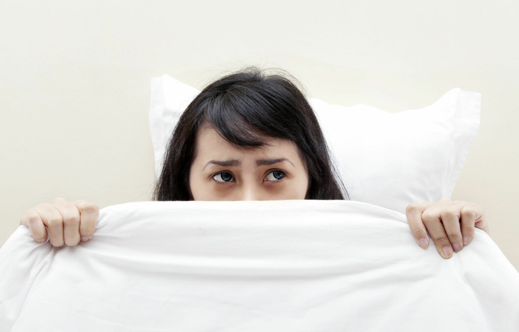 BRÅVÅKEN: Angstdrømmer er den mildeste formen for vond drøm, og er noe de aller fleste av oss har opplevd. Mareritt er derimot noe sterkere, og vil ofte føre til at du våkner brått, svett og redd. Foto: Creativa - Fotolia