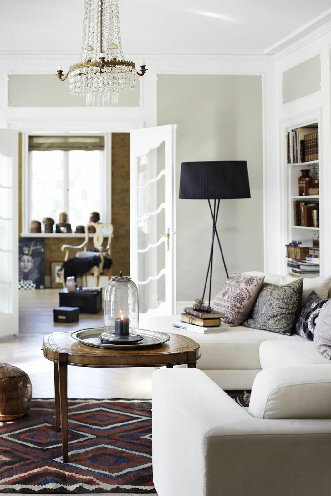 ATELIERET: En titt inn i Cecilies fantastiske atelierunivers, sett fra stuen. Foto: Kira Brandt Rasmussen