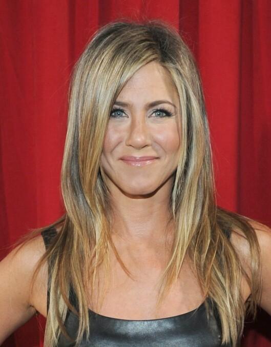 FIRKANTET ANSIKT: Har du et firkantet ansikt som Jennifer Aniston bør du unngå spisse innfatninger.   Foto: All Over Press