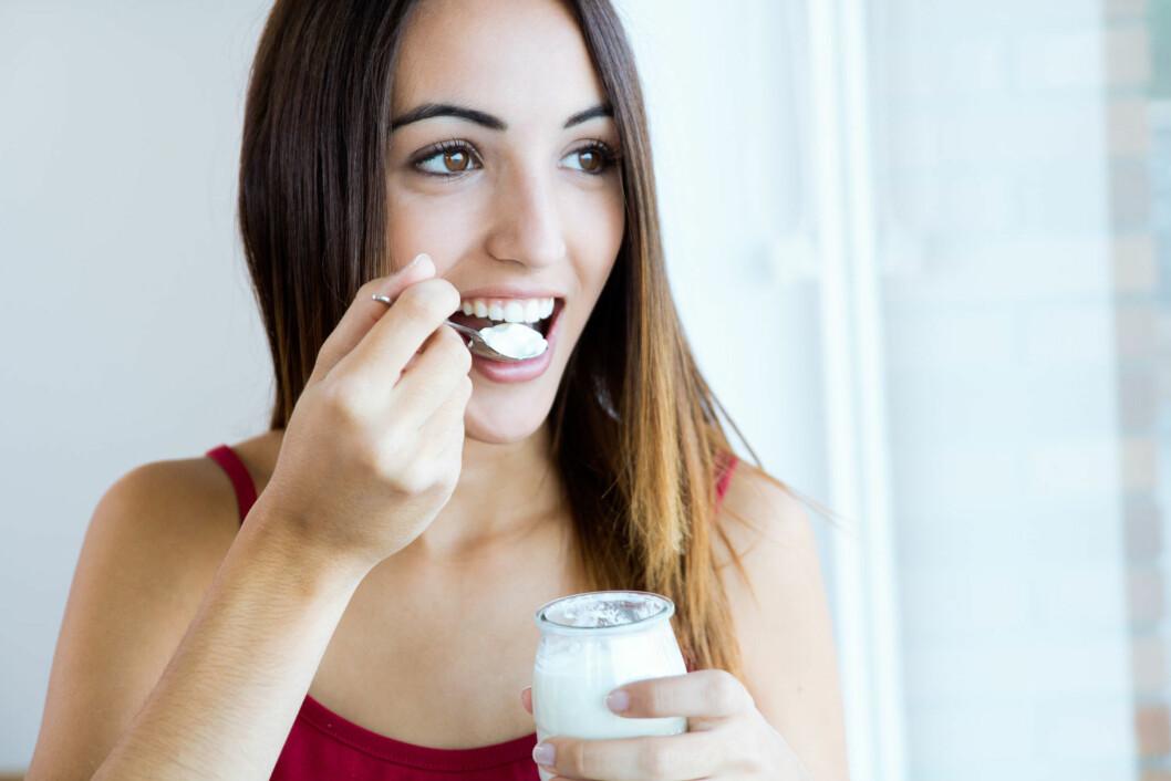 KUN 10 GRAM: – Som en hovedregel bør du unngå yoghurter som inneholder mer enn ti prosent sukker, noe som tilsvarer ti gram per 100 gram yoghurt, sier Lekven Fimreite. Foto: nenetus - Fotolia