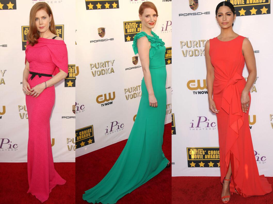KNALLFARGER: Fra venstre ser vi Amy Adams i en rosa kjoler, Jessica Chastain i en grønn kreasjon med slep og Camila Alves i en rødoransje kjole med splitt. Foto: All Over Press