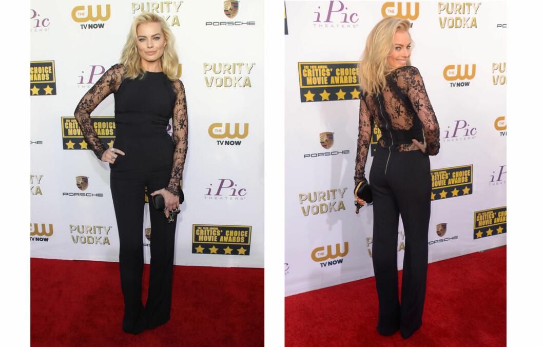 JUMPSUIT: Margot Robbie droppet kjolen, og gikk for buksedress under gårsdagens Critics' Chioce Awards. Foto: All Over Press