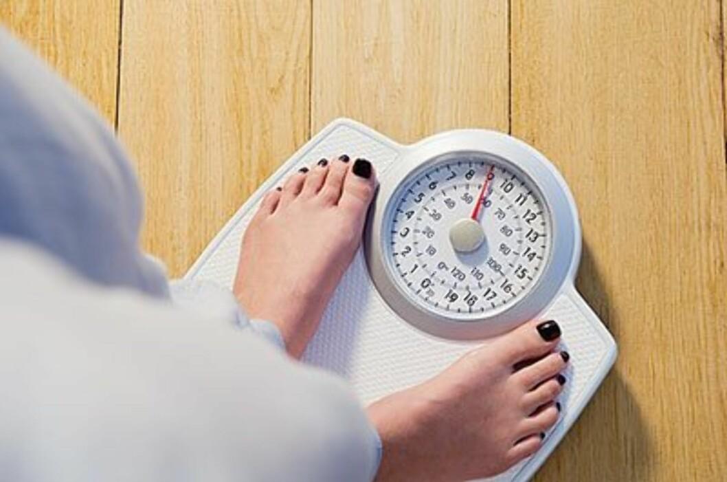 VEKTEN ER IKKE ALT: Du bør ikke bli for opptatt av hva vekten og BMI-utregningen viser. Verken badevekten eller BMI tar hensyn til din muskelmasse, og den vet heller ikke hvor på kroppen fettet sitter.