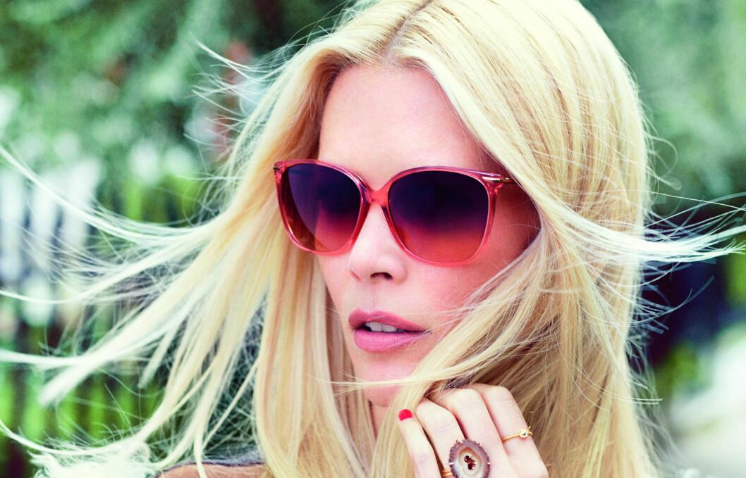 <strong>CLAUDIA SCHIFFER BY RODENSTOCK:</strong> Supermodellen gjør som Helena Christensen og Vendela Kirsebom og designer sin egen brille- og solbrillekolleksjon. Foto: Produsenten