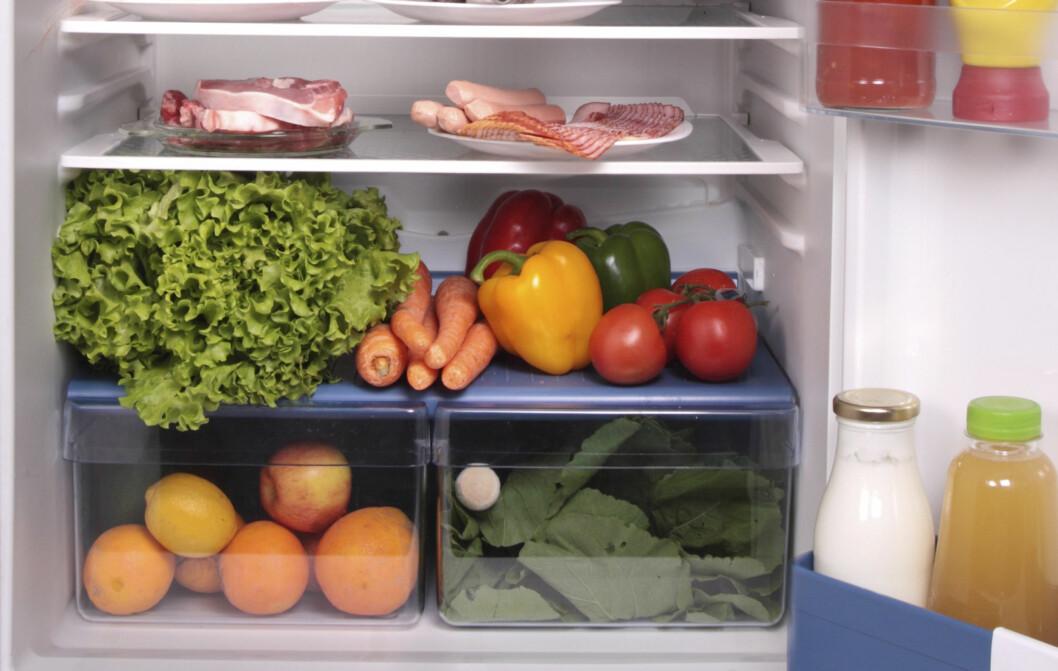 FINN ÉN FEIL! Tomater bør ikke oppbevares i kjøleskap. Foto: Colourbox.com
