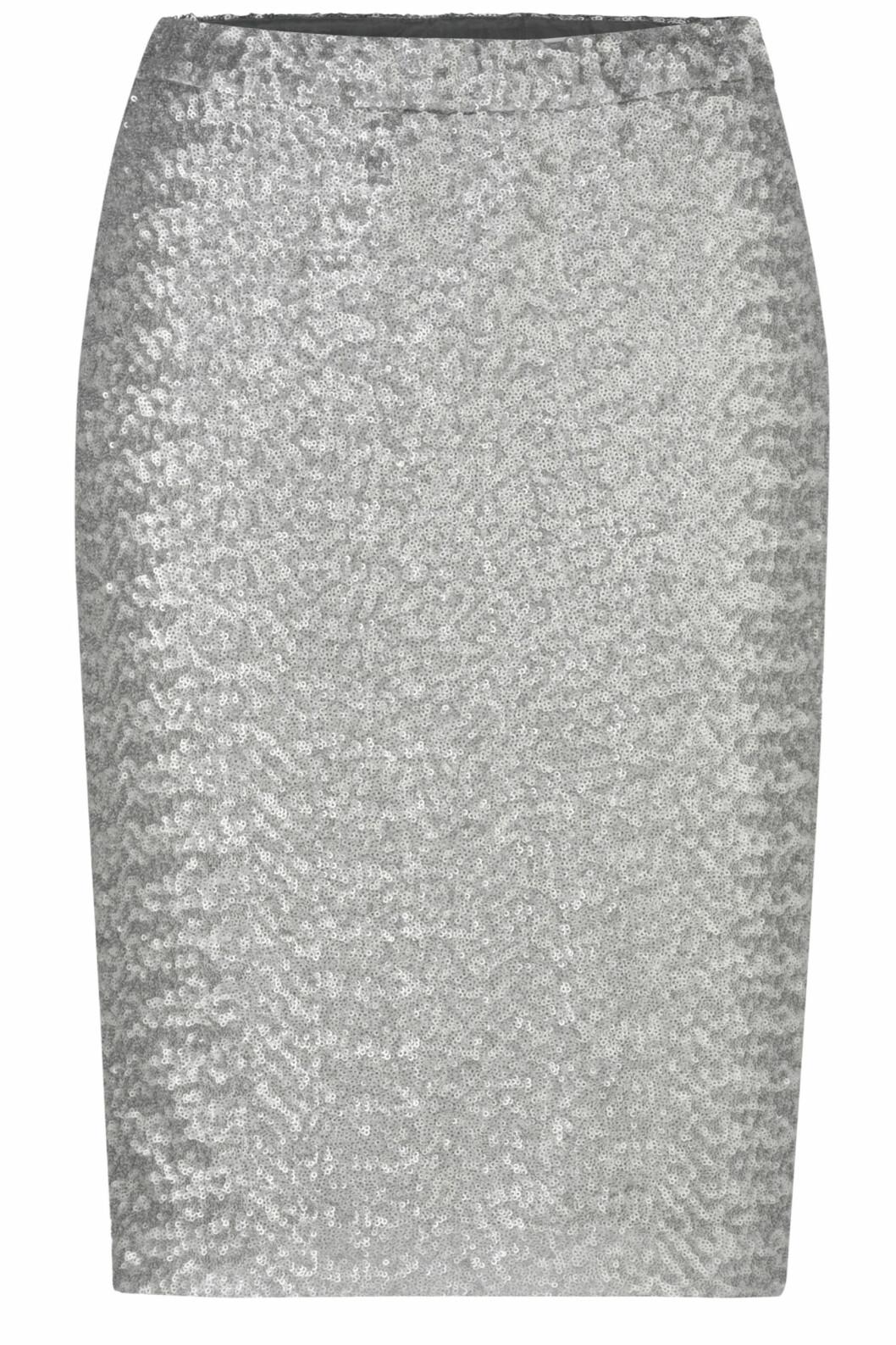 Blyantskjørt med sølvpaljetter (kr 650, laredoute.no). Foto: Produsenten