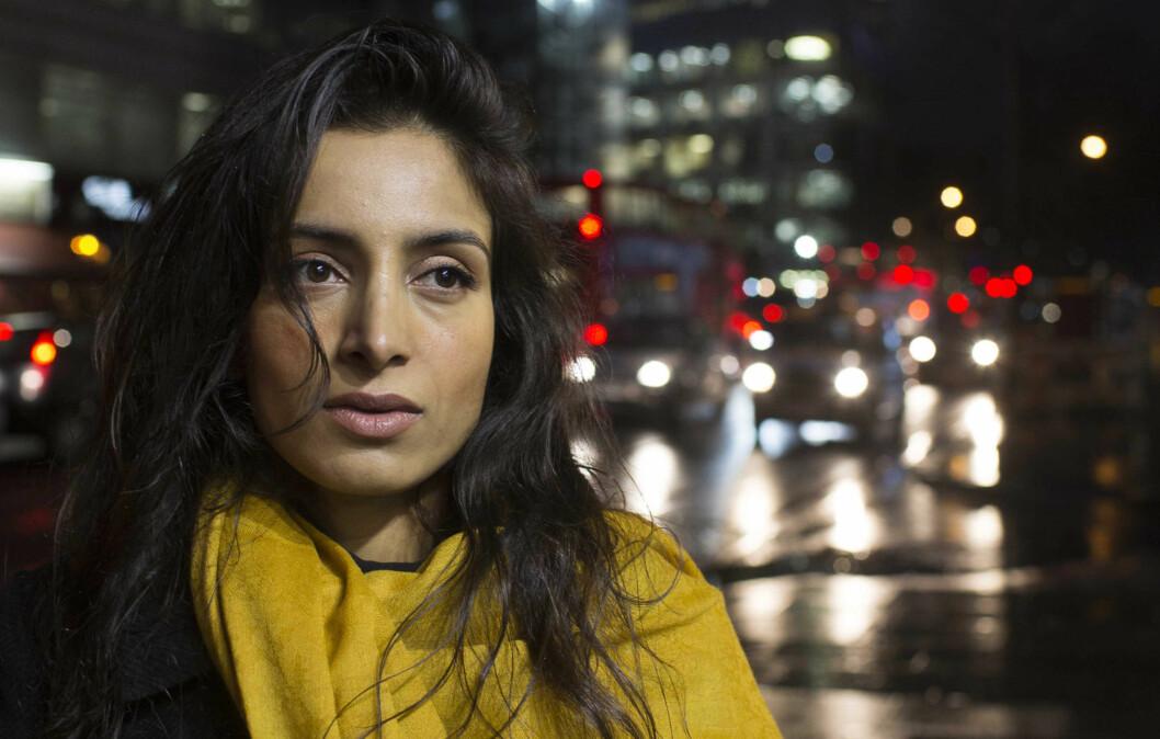 MÅTTE FLYKTE: 17 år gammel måtte Deeyah Khan måtte starte livet på nytt i London etter å ha blitt trakassert og truet med vold av konservative krefter i det pakistanske miljøet, som ikke var særlig begeistret for hennes popstjernekarriere.  Foto: FREDRIK SOLSTAD