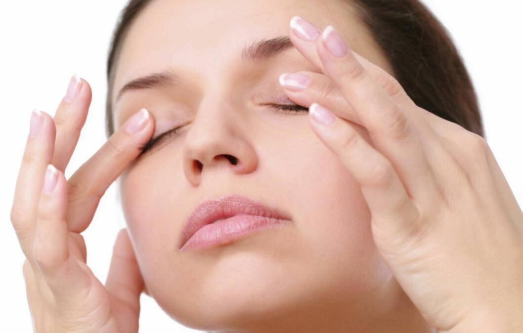 HOVENT: Hovne øyne er et vanlig problem, og årsakene er mange. Heldigvis er det mange av dem du kan gjøre noe med, og dermed kan du også i mange tilfeller fjerne hovenheten helt eller i det minste redusere den dramatisk.  Foto: Getty Images/iStockphoto