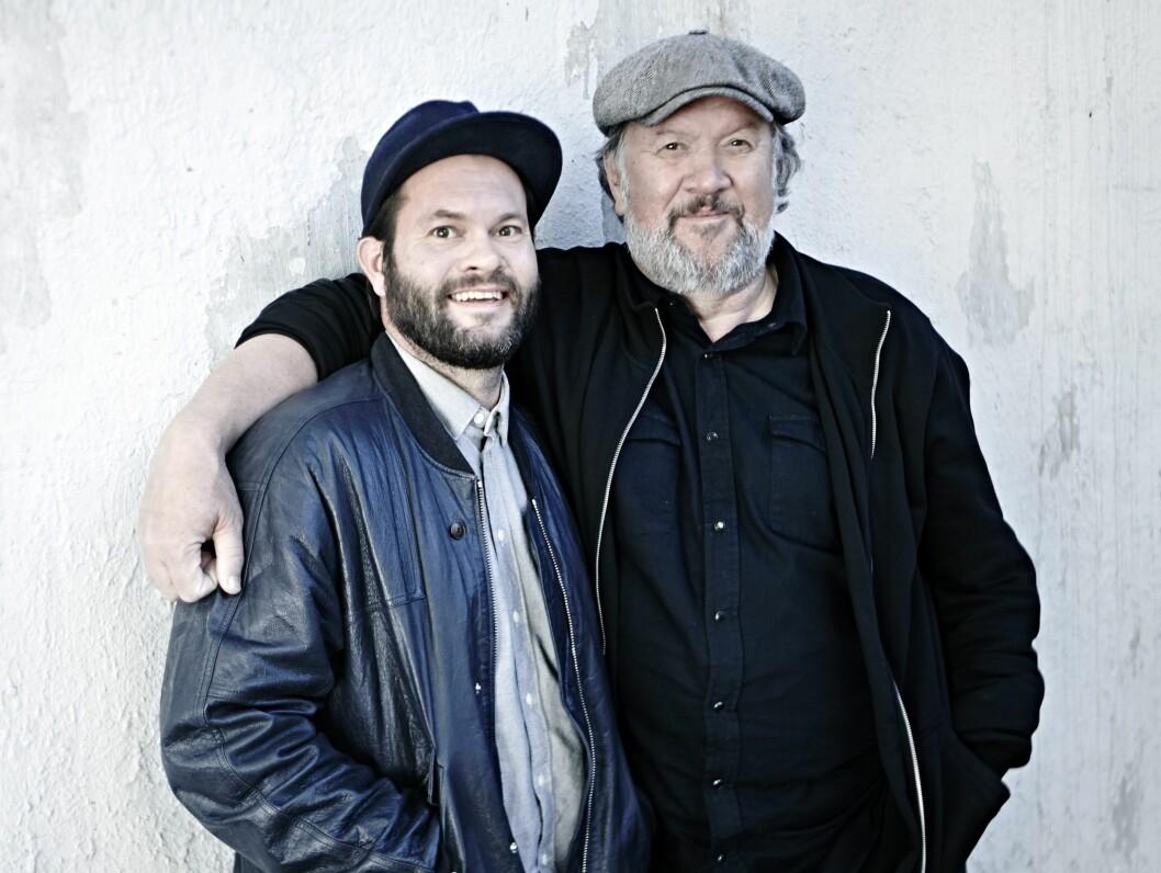 FAR OG SØNN: Bjørns førstefødte Einar er blitt en voksen mann på 35 år. Nå er de like mye kompiser som far og sønn. Foto: Geir Dokken