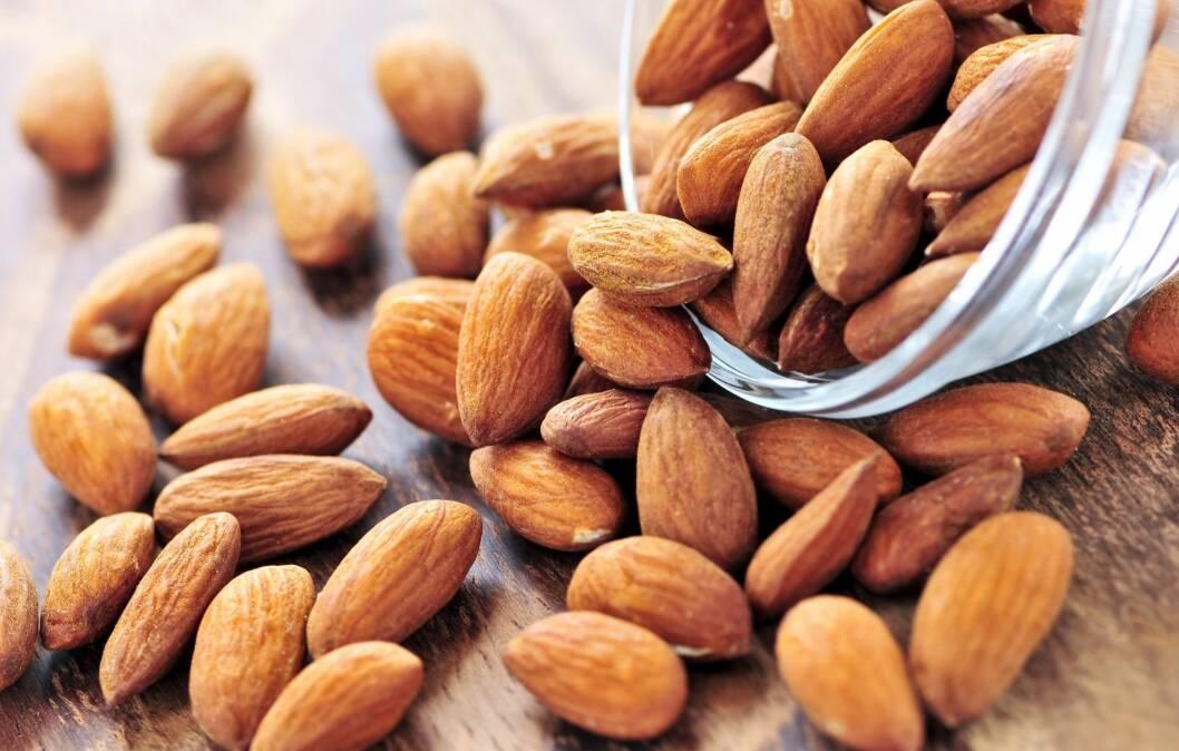 MANDLER: Kaloririke nøtter, men likevel kan de hjelpe deg å holde en stabil vekt viser ny forskning.  Foto: Stock Connection/All Over Pr
