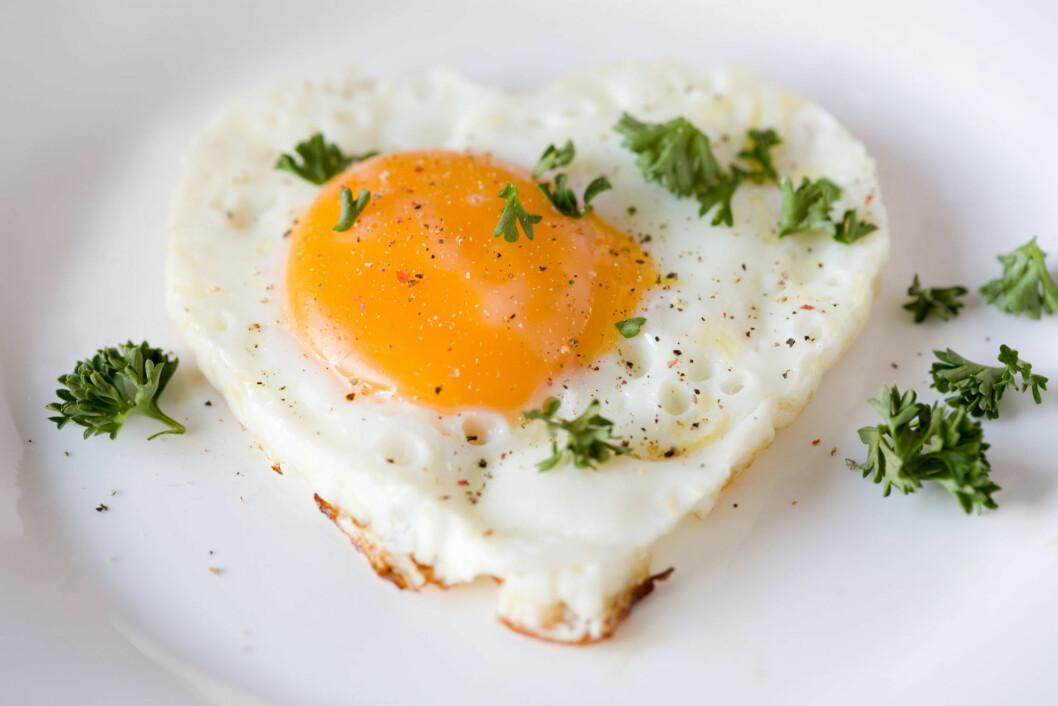 EGG: Ikke bare smaker det godt, men egg er også en god kilde til vitamin D, som er viktig for å holde forkjølelsen unna. Foto: Thinkstock.com