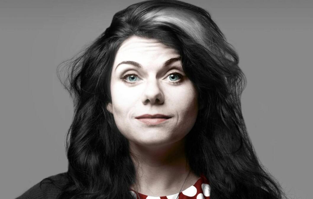 MORSOM OG FREKK: Caitlin Moran har blitt søkkrik på å skrive om feminisme på en helt annen måte. Foto: All Over Press