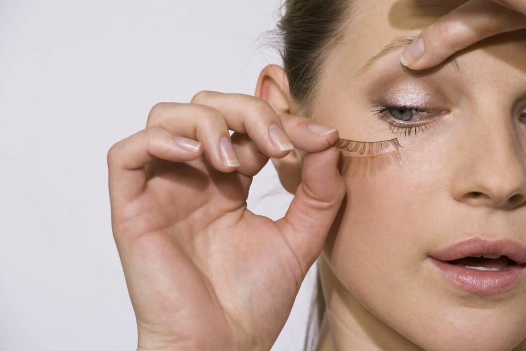 KAN SKADE VIPPENE: Akkurat som å sette på falske vipper, kan vippetanga gjøre skade på vippene dine. Om du har sarte vipper, bør du unngå daglig bruk. Du bør heller aldri bruke den etter du har tatt på maskara. Foto: Getty Images/Pixland