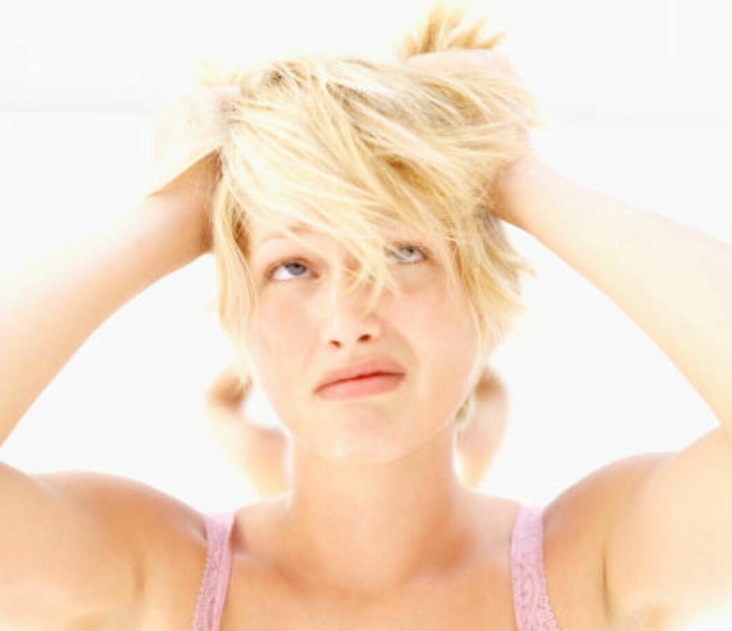 TØRR HODEBUNN?: Du kan la være å vaske håret så ofte.  Foto: Getty Images
