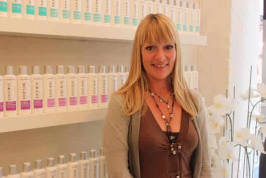 <strong>EKSPERT:</strong> Lise Holm-Glad, frisør og leder for Defines frisørteam. Foto: Aina Kristiansen