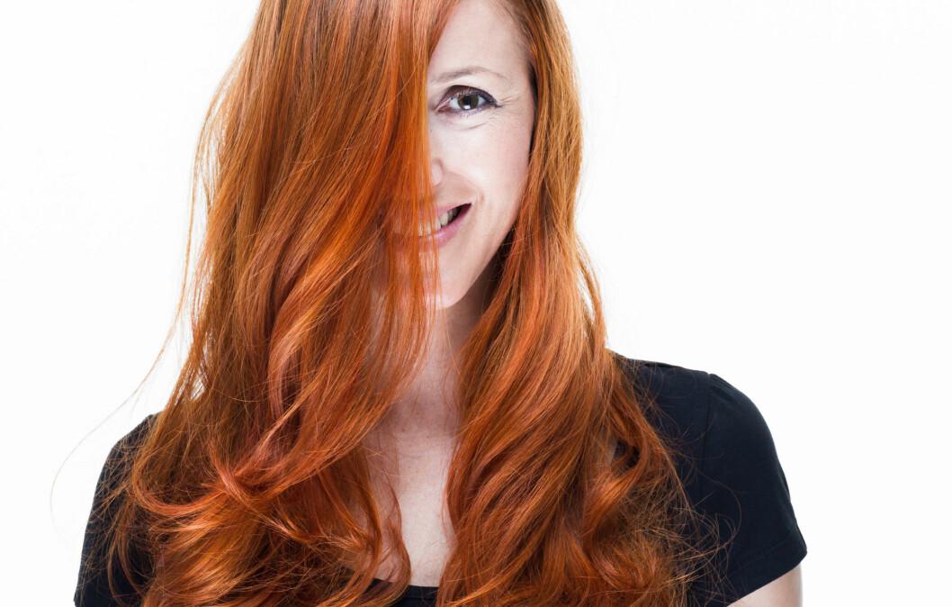 <strong>FARGET HÅR:</strong> Om du farger håret, er det greit å vite hvilke spesialprodukter du trenger for å få fargen til å vare lengst mulig.  Foto: Amir Kaljikovic - Fotolia