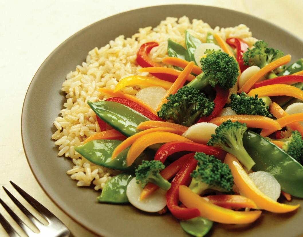 MER GRØNT: Vi nordmenn kan med fordel bli flinkere til å spise grønnsaker.  Foto: PantherMedia