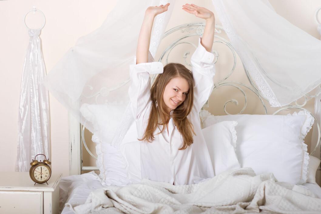 IKKE GLEM STREKKEN: Uansett hvor travel morgen du har, bør du i hvert fall ta en enkel strekk. Foto: Colourbox