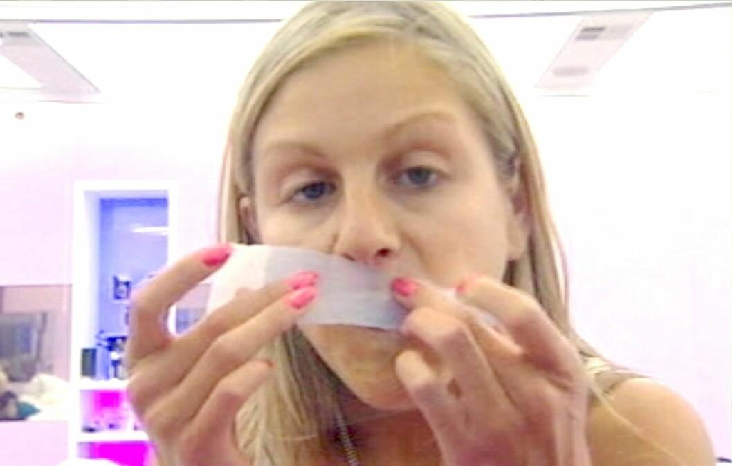 VOKS: Voksing er en enkel metode å få bukt med uønsket hårvekst på.  Foto: REX/All Over Press