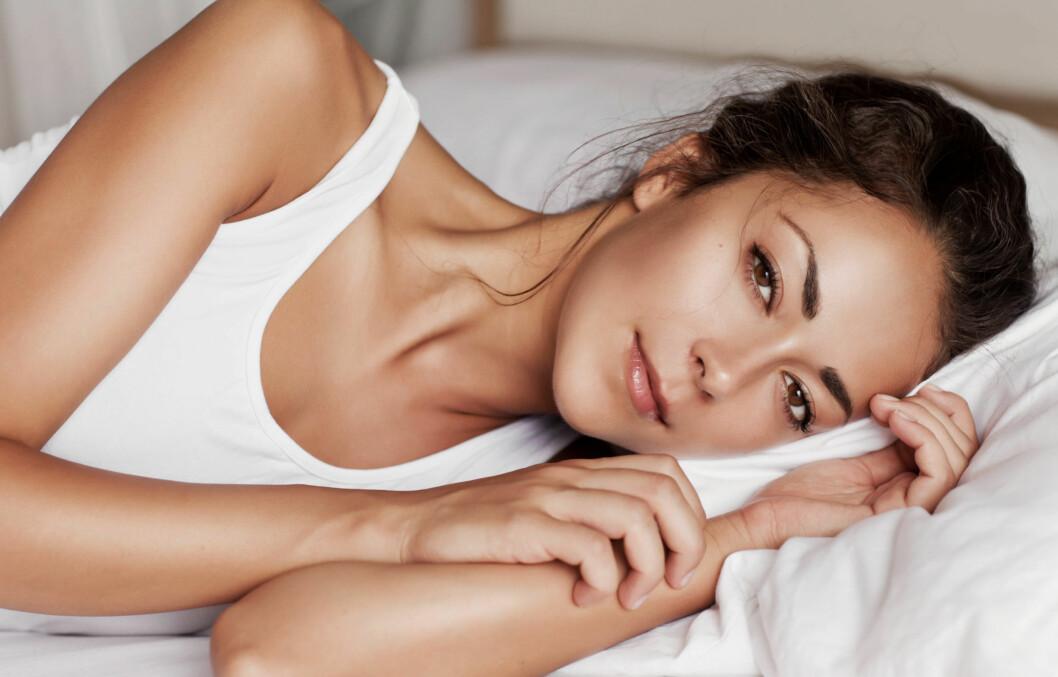 VARMT PÅ SOVEROMMET? Med noen enkle triks kan du gå en svalere natt i møte, og sikre deg søvnen du trenger.  Foto:  Fotolia