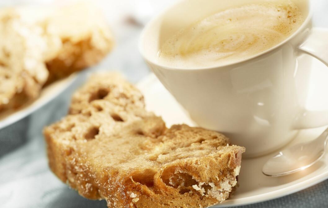 FINNES I MANGE MATVARER: En ny rapport viser at inntaket av det kreftfremkallende stoffet akrylamid, fortsatt er relativt høyt. De vanligste kildene blant voksne er blant annet poteter, brød og kaffe.  Foto:  Fotolia
