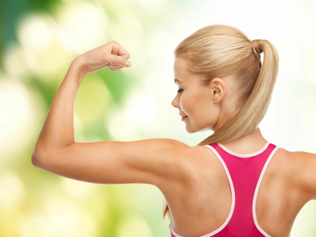 DEFINERT: Bygger du muskler i overarmene, blir det mindre plass til heng og sleng. Foto: Colourbox