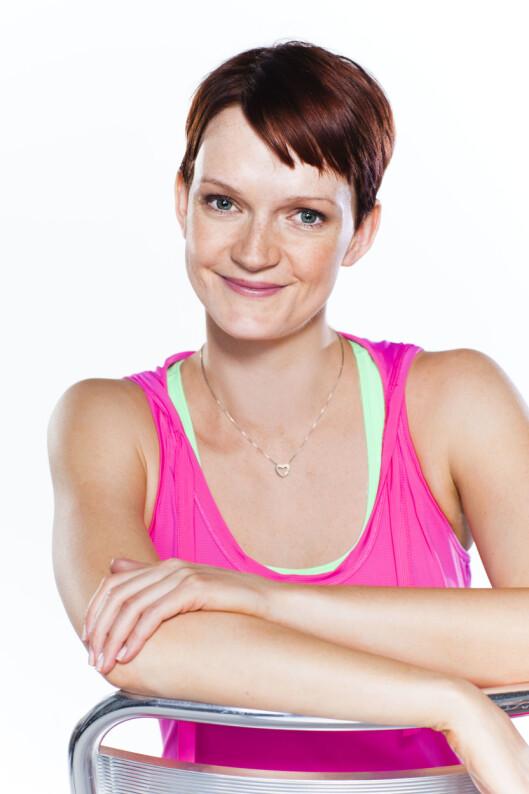 VET HVA HUN SNAKKER OM: Treningsekspert Helle Bornstein er eier og gründer av treningsstudioet Smart Trening og konseptet SMART som baserer seg på trening, kosthold og livsstil. Hun har over 10 års erfaring, og er utdannet fra Norges idrettshøyskole og universitetet i Oslo. Foto: Astrid Waller/KK
