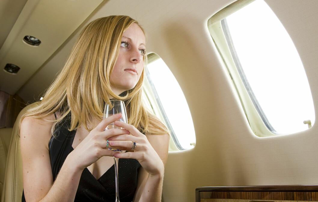 <strong>FLYSKREKK?:</strong> Gruer du deg til sommerens flyreise? Last ned ekspertens beroligende låter, pust rolig og lukk øynene.  Foto: Getty Images/iStockphoto