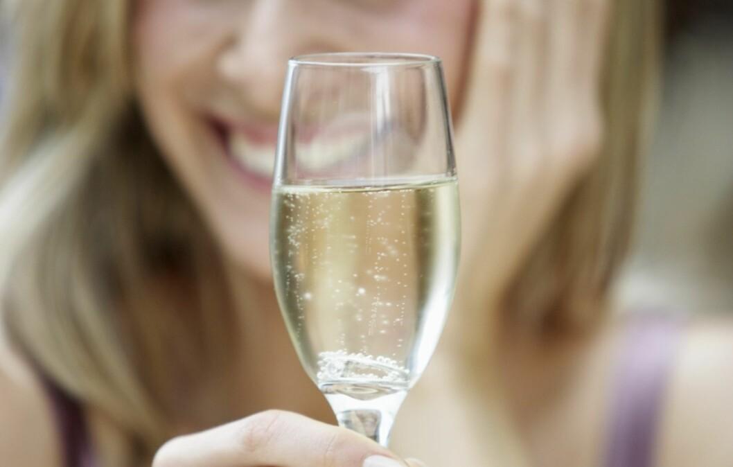 HOLDER SEG: Musserende vin og champagne holder seg boblende og frisk flere dager etter at flasken er åpnet.  Foto: Thinkstock