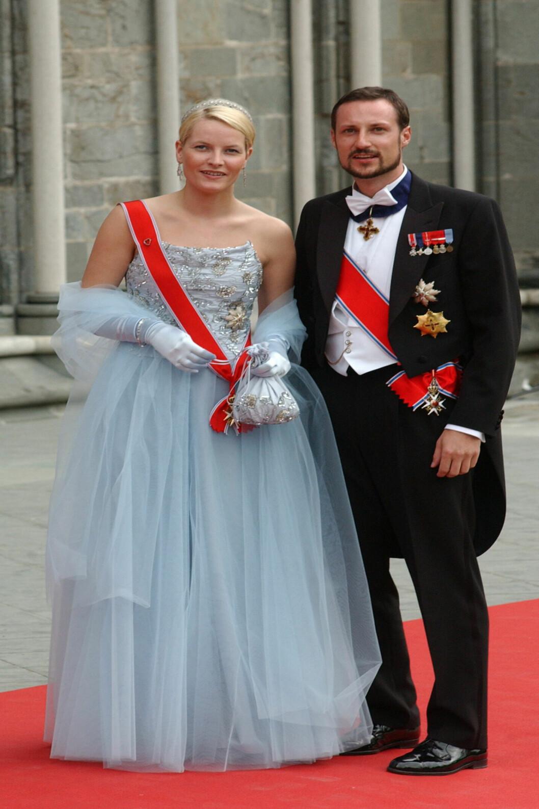 <strong>2002:</strong> Her er den vakre prinsessekjolen designet av Ove Harder Finseth.  Foto: All Over Press