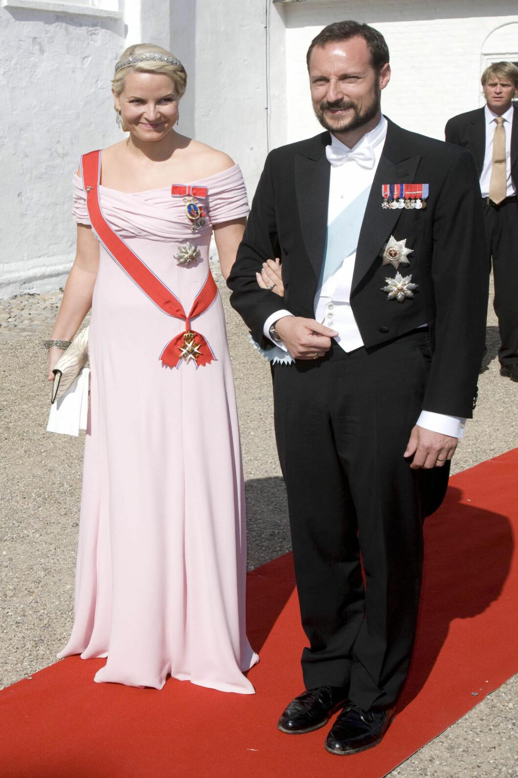<strong>2008:</strong> I en pudderosa drøm av en kjole fra Valentino.  Foto: All Over Press