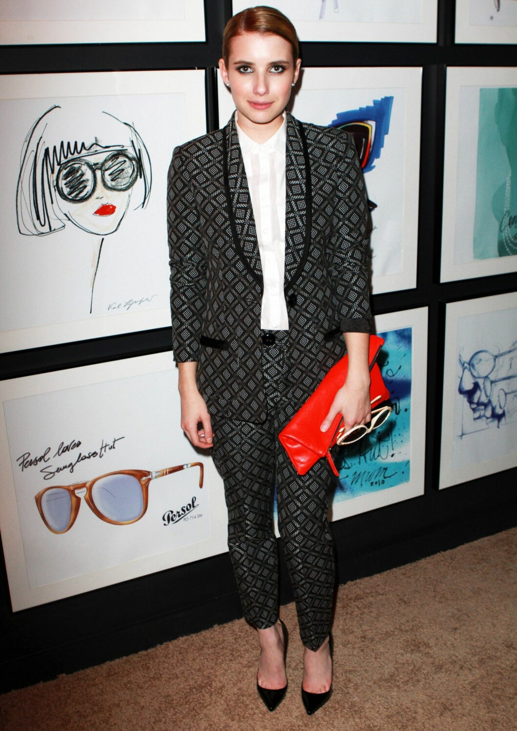 Emma Roberts i matchende dress. Foto: All Over Press