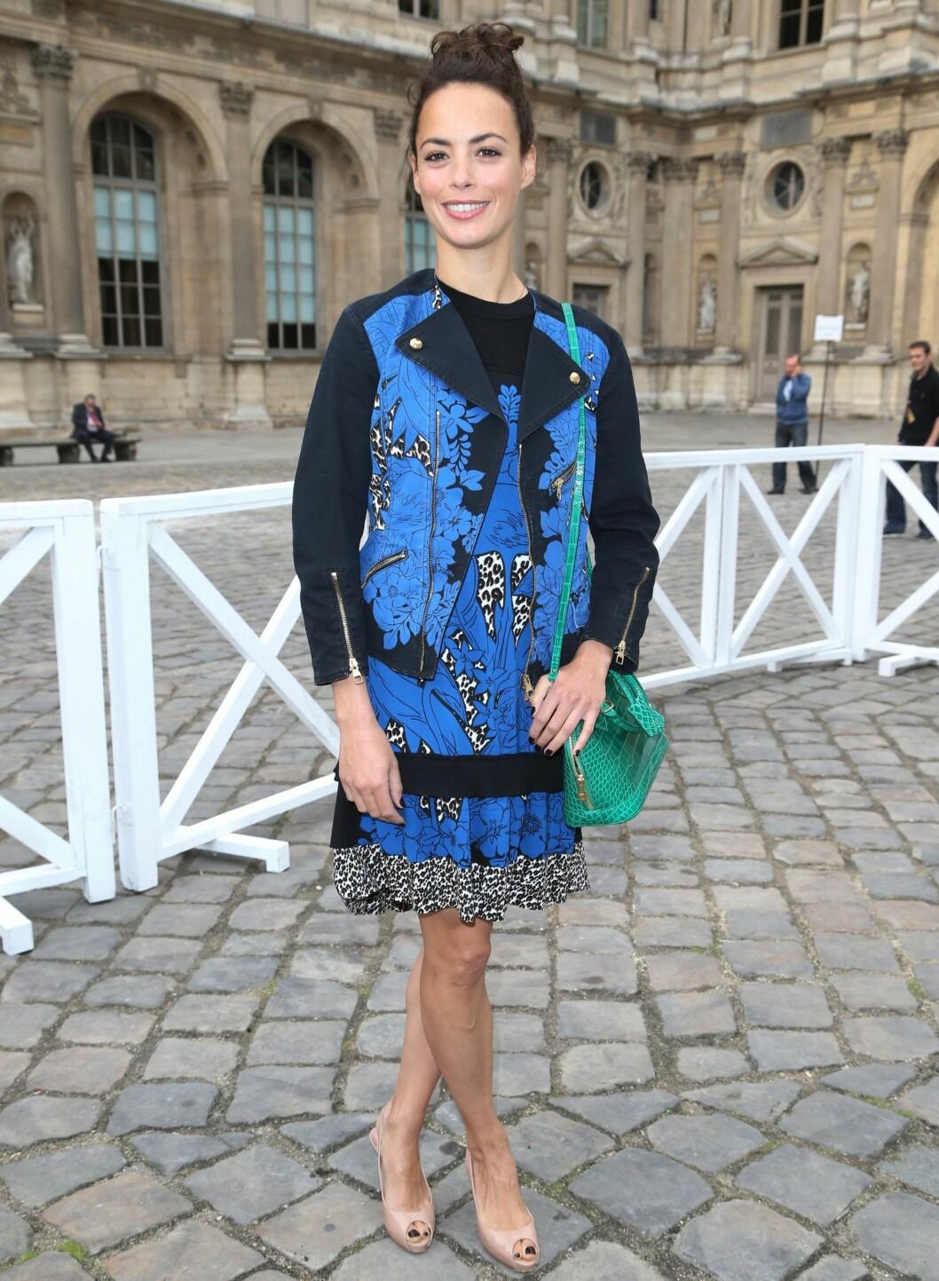 Berenice Bejo i matchende kjole og jakke. Foto: All Over Press