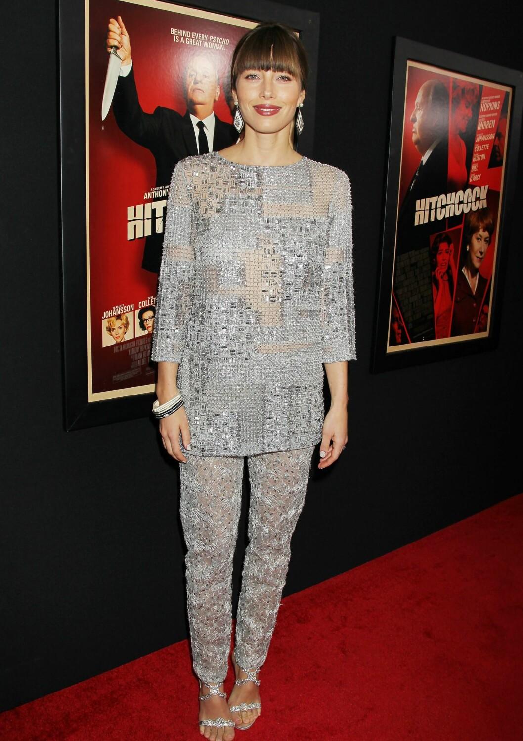 Jessica Biel i en glitrende drakt. Foto: All Over Press