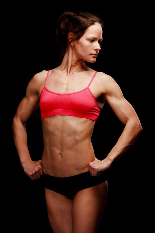 <strong>TRENDY:</strong> Fitnessdamer har blitt trendy. Men husk - de ser bare ut som dette når de skal konkurrere. Vanligvis har de mye høyere fettprosent! Foto: Colourbox