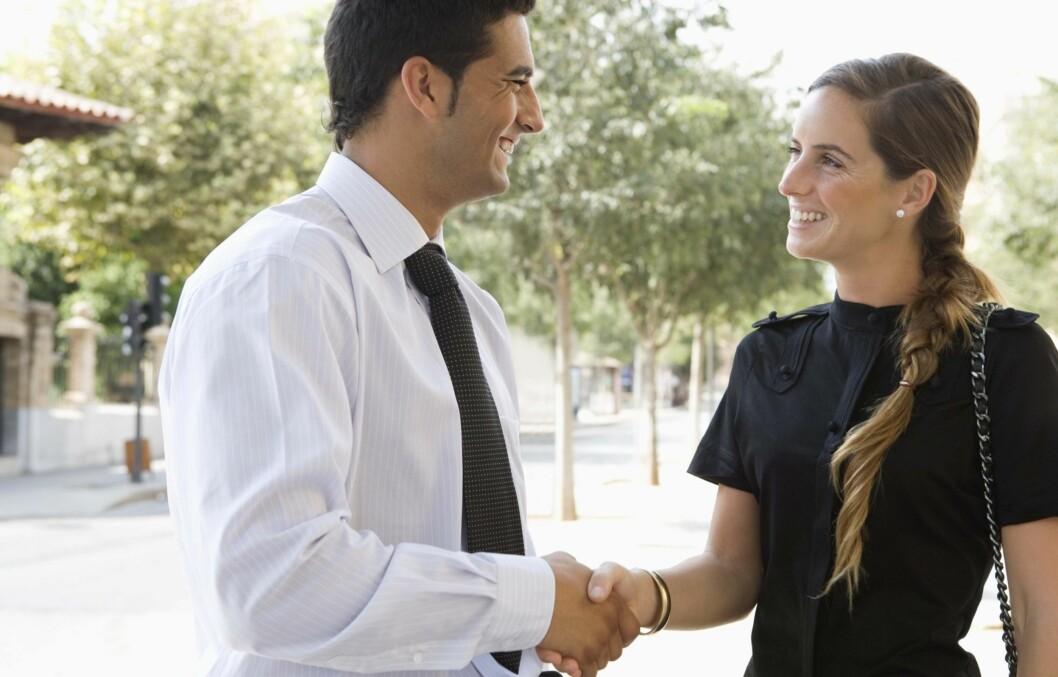 GLEMMER FORT?: Har du en tendens til å glemme navnet på personer du akkurat har møtt? Foto: Thinkstock