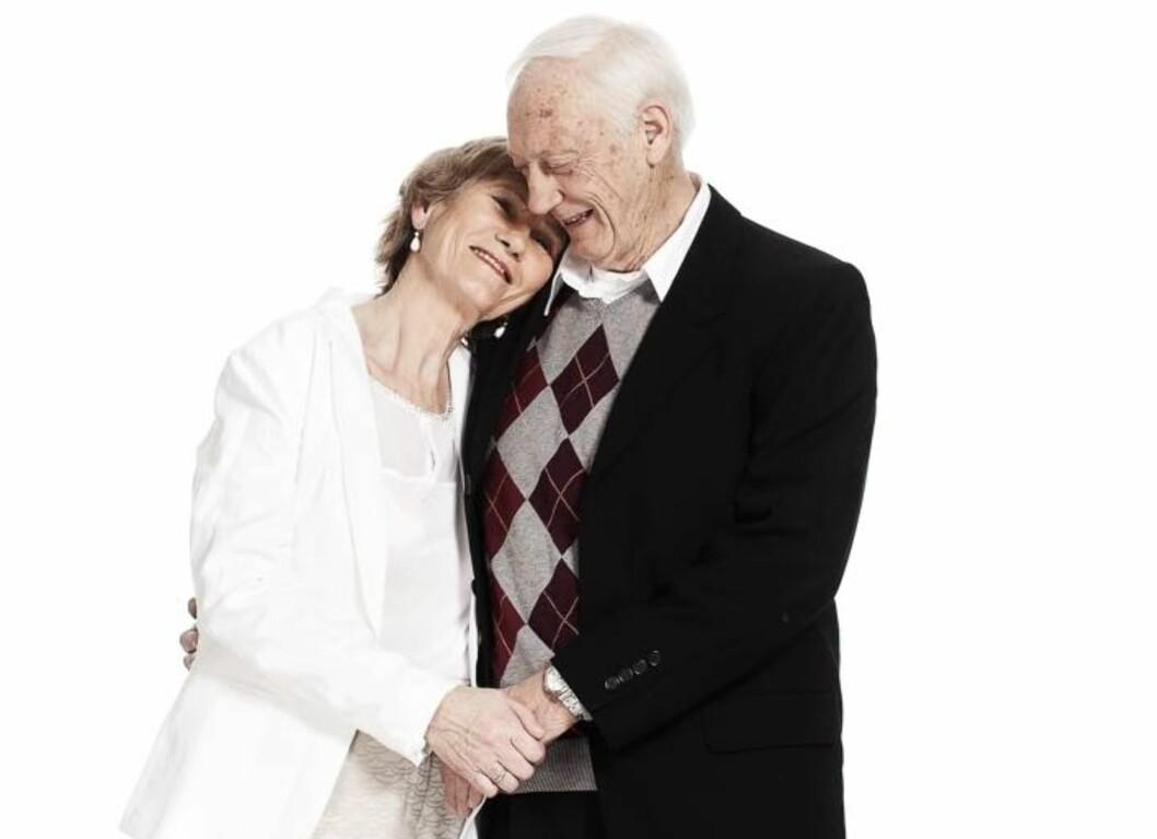 Mildred (72) og Lars (76) Sæther har vært gift i 51  år, siden de var 21 og 25 år. Foto: Ole Martin Halvorsen