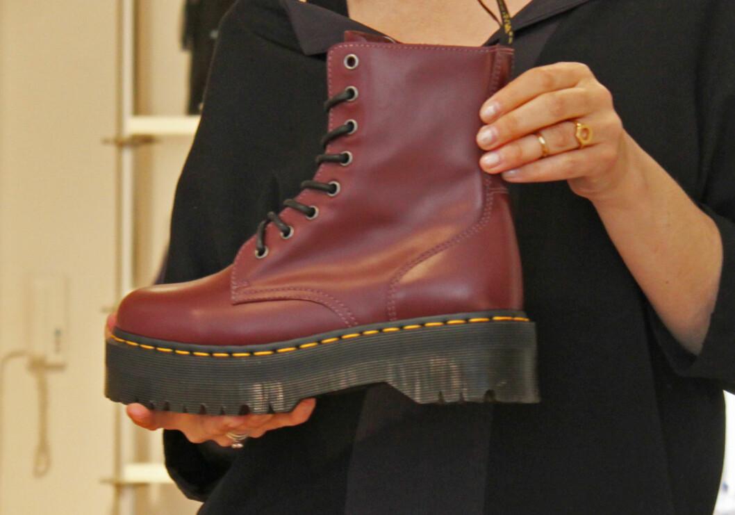 TILBAKE FOR FULLT: Dr. Martens-støvlettene (på bildet) er inspirasjonen bak den kraftige såletrenden som kommer tilbake til høsten.  Foto: A. C. Blystad