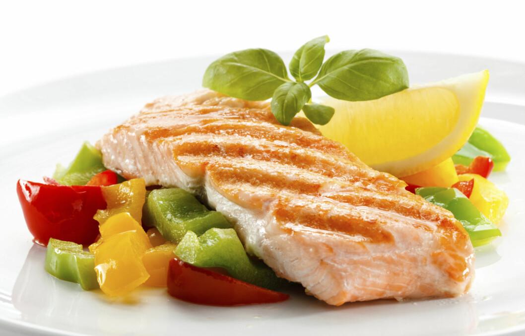 SUNT OG GODT: Fisk er rik på proteiner, og noen typer har dessuten sunne fettyper. Dette er mat du bør spise mer av, sier ekspertene. Foto: Getty Images/iStockphoto