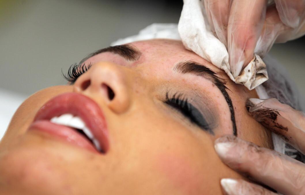 VIKTIG: Øyebryn er med på å ramme inn ansiktet. Foto: All Over Press
